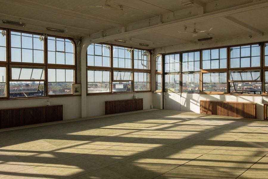 zdjęcie przedstawia pustą sale treningową- Dojo