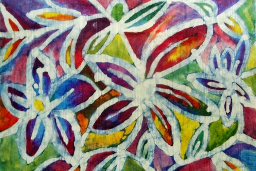 tkanina wielokolorowa z motywem kwiatów