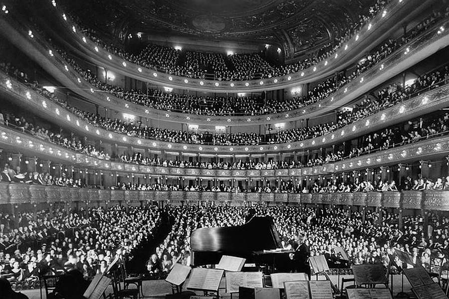 Na zdjęciu widać salę koncertową opery House w Sydney.