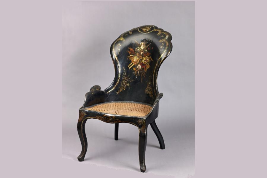 zabytkowe krzesło
