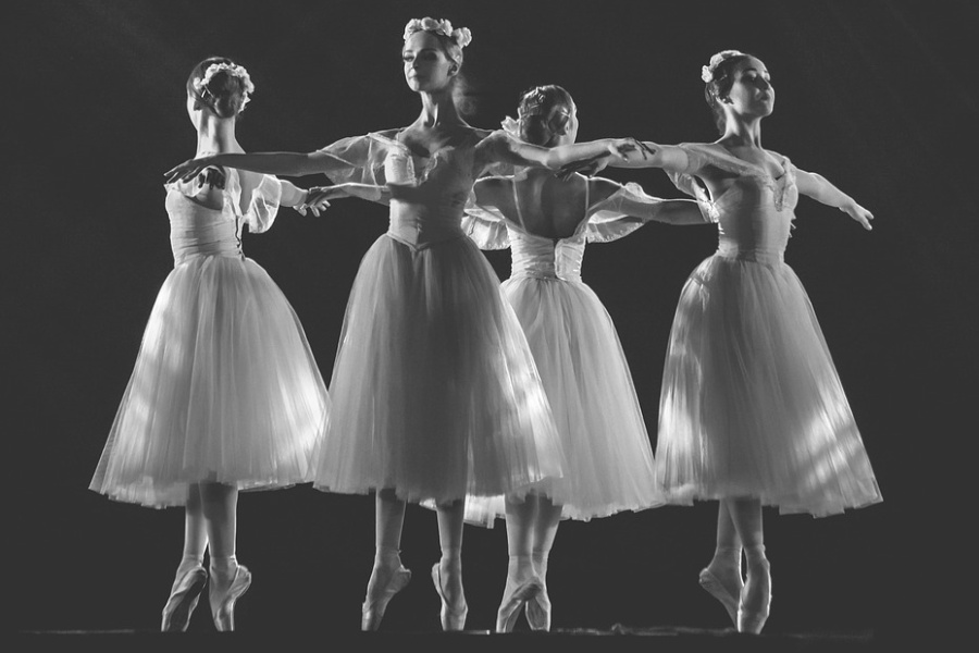 cztery tańczące baletnice