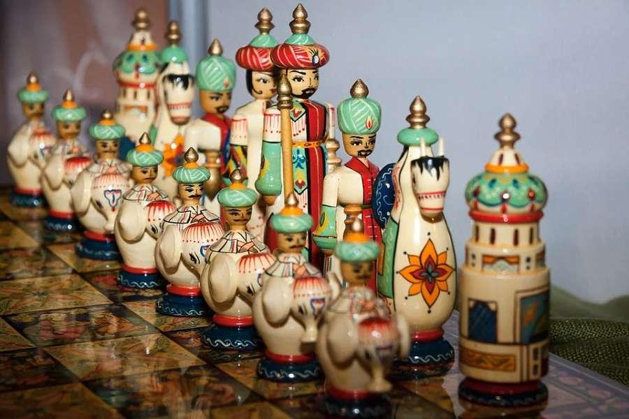 Kolorowe irańskie szachy