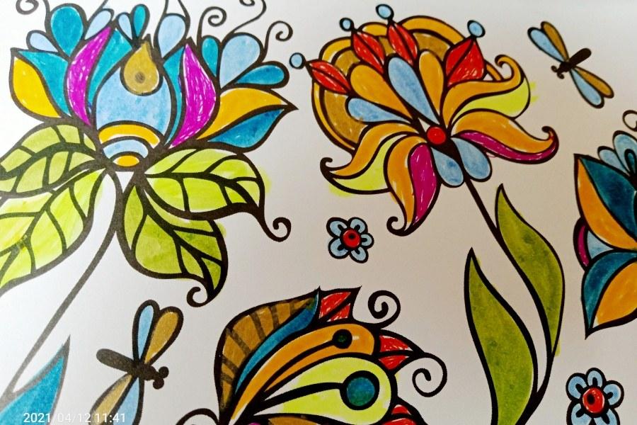 kolorowe kwiaty - grafika z kolorowanki